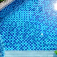The Perks of Using Fiberglass to Revitalize Aging Swimming Pools